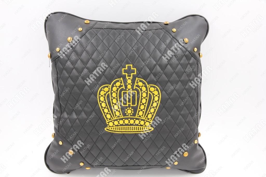 BOOST Подушка черная экокожа (золотая корона